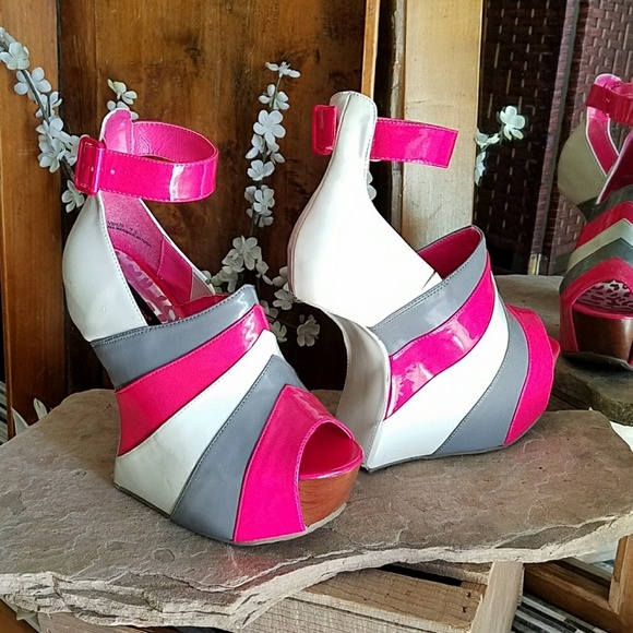 5682647b1d Dollhouse Shoes - Dollhouse